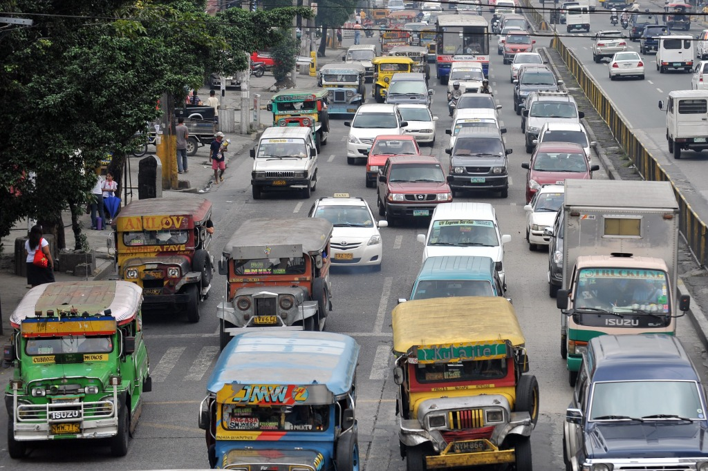 Driving In The Philippines – City Driving